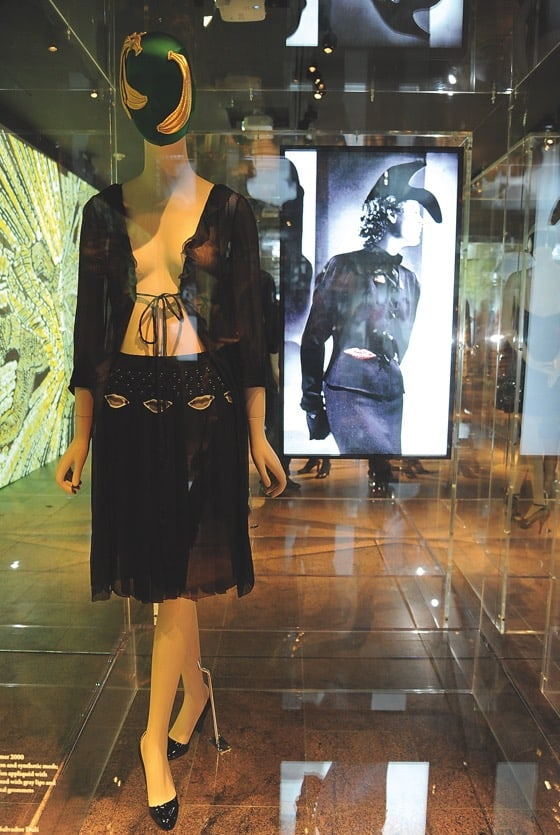Stage Museum Exhibitions Bonaveri Book - Schiaparelli Prada Impossibile conversations 2012