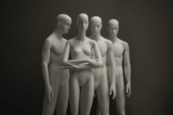 aloof and noble mannequins 12