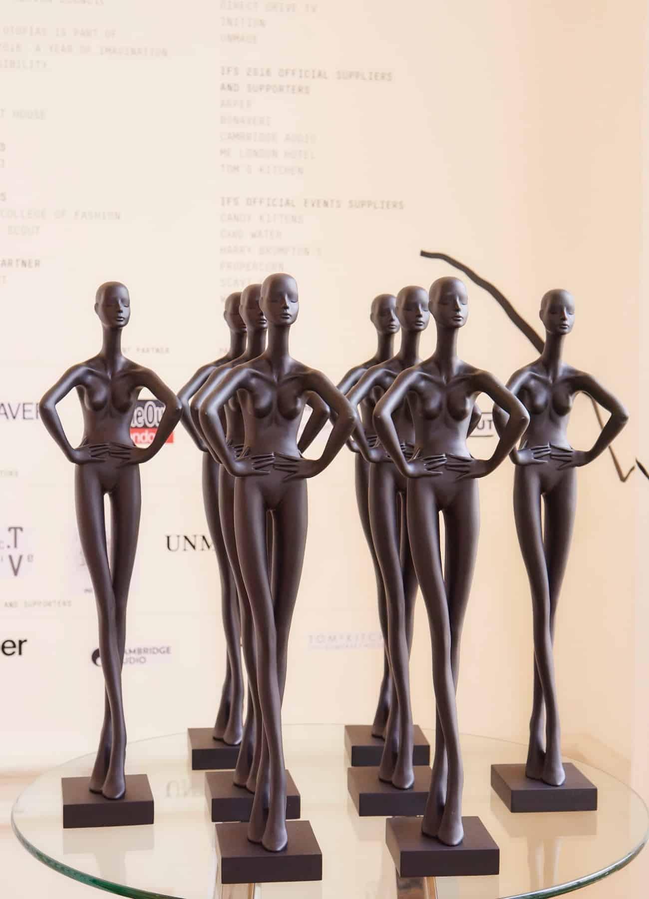 mini Aloof mannequins ifs16 curator award 2016