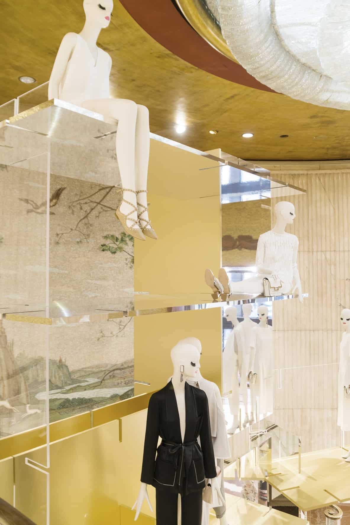 aloof mannequins for zara milan design week