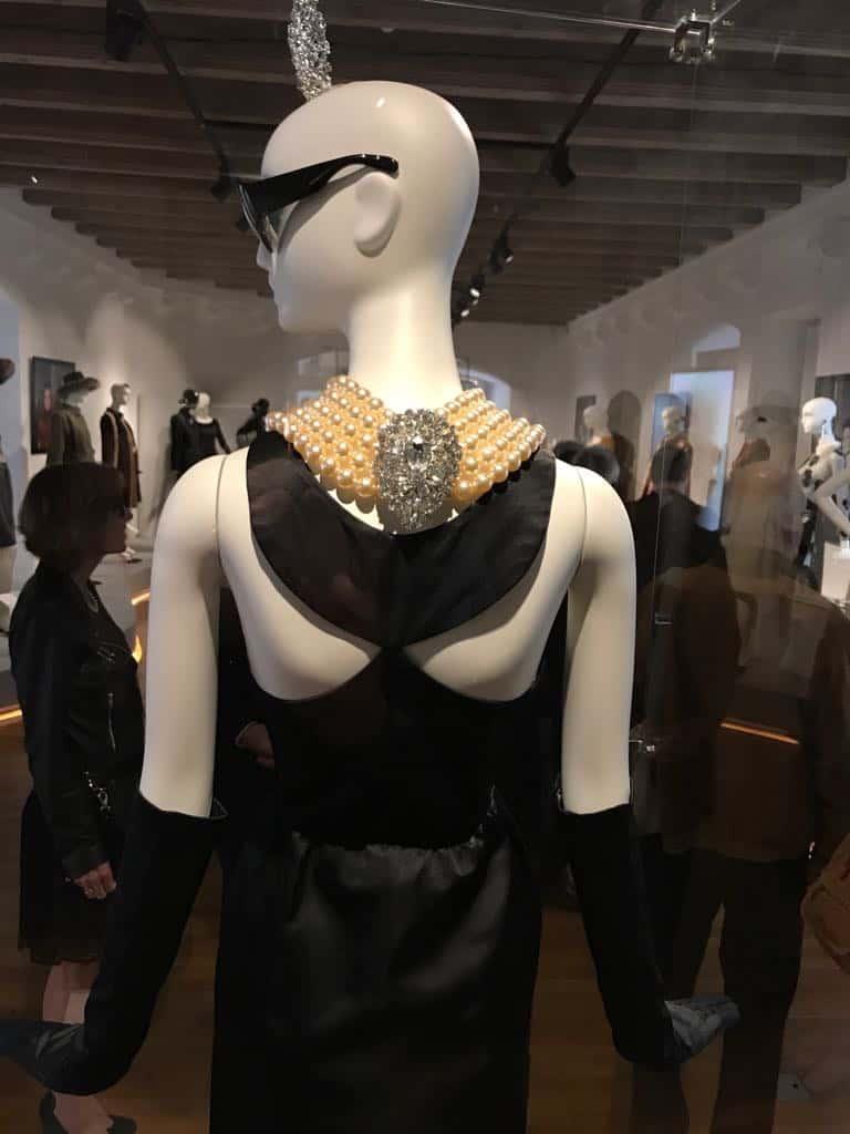 hubert de givenchy schlappi 2200 10 - Schläppi 2200 mannequins for Givenchy's Audrey Hepburn tribute