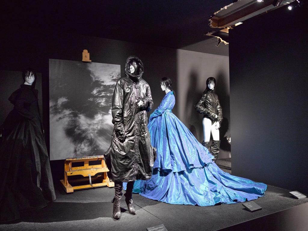 tribe female mannequins for oliver theyskens momu antwerp