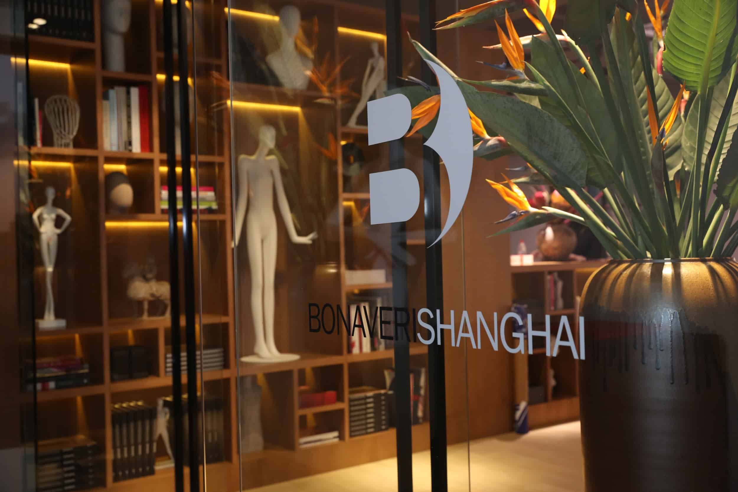 tribe-mannequins-shanghai-guests-10