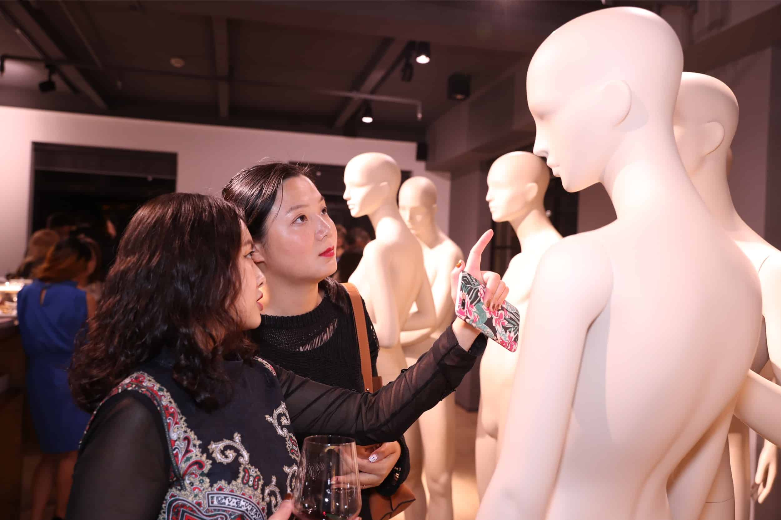 tribe-mannequins-shanghai-guests-30