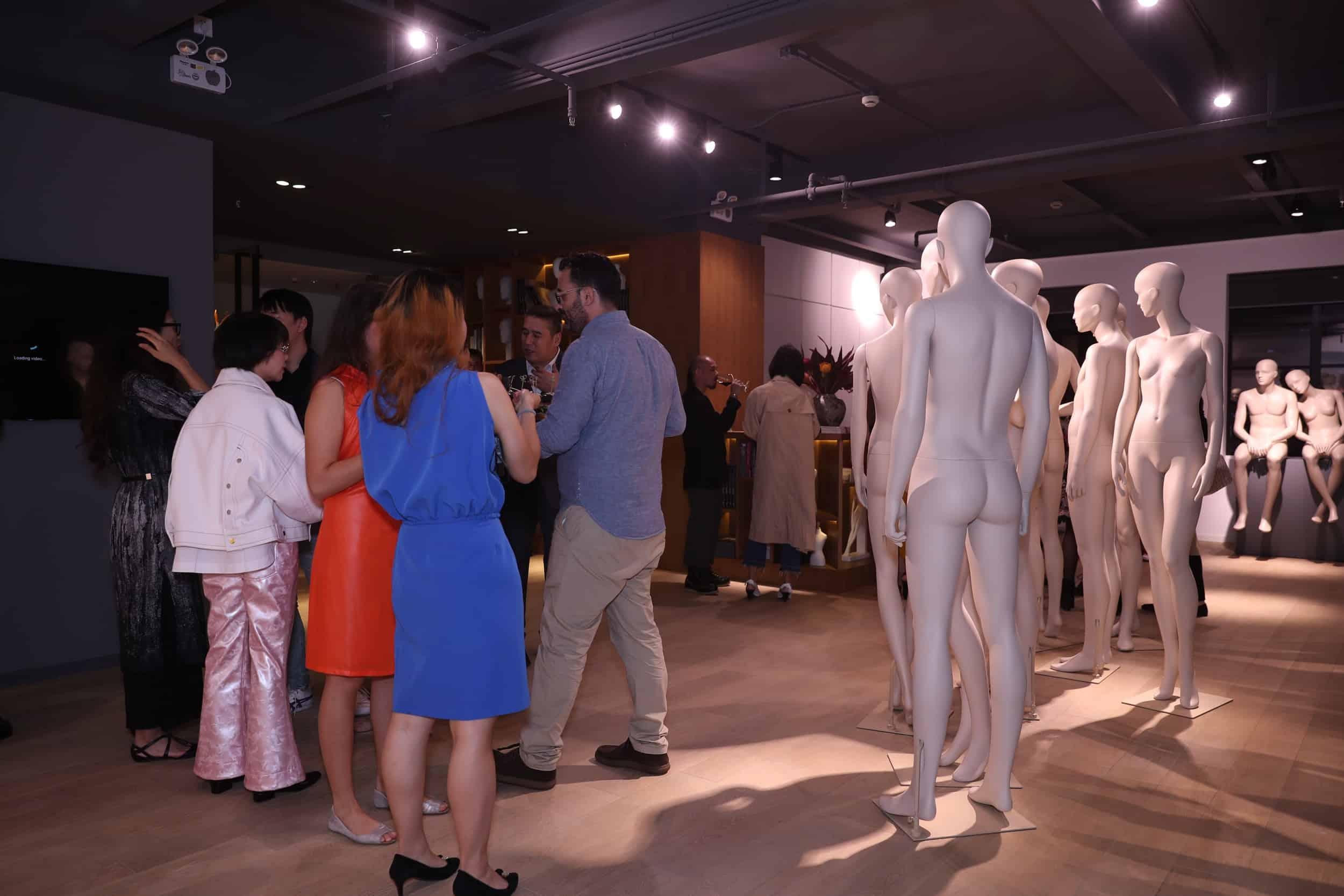 tribe-mannequins-shanghai-guests-39