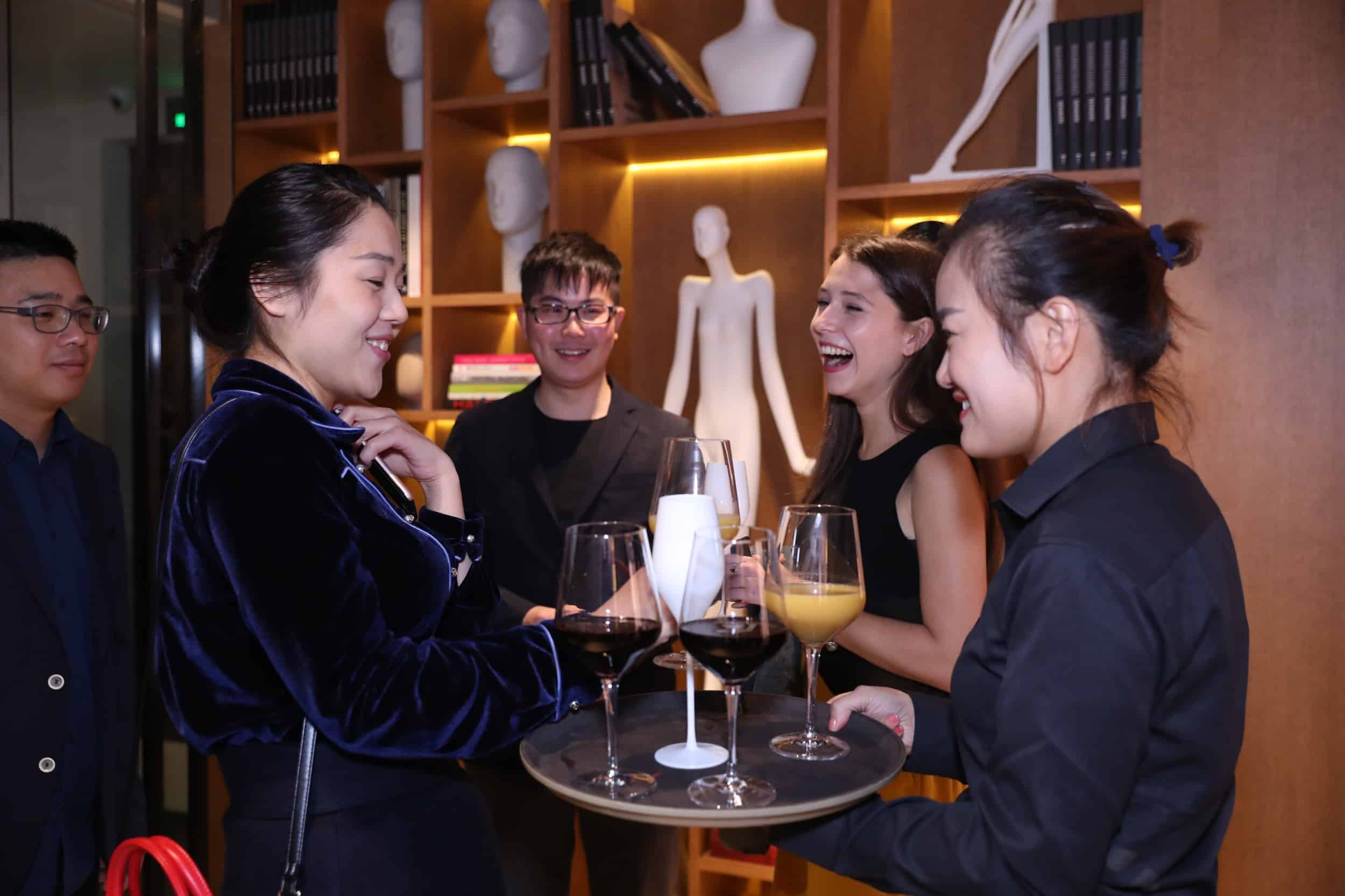 tribe-mannequins-shanghai-guests-40