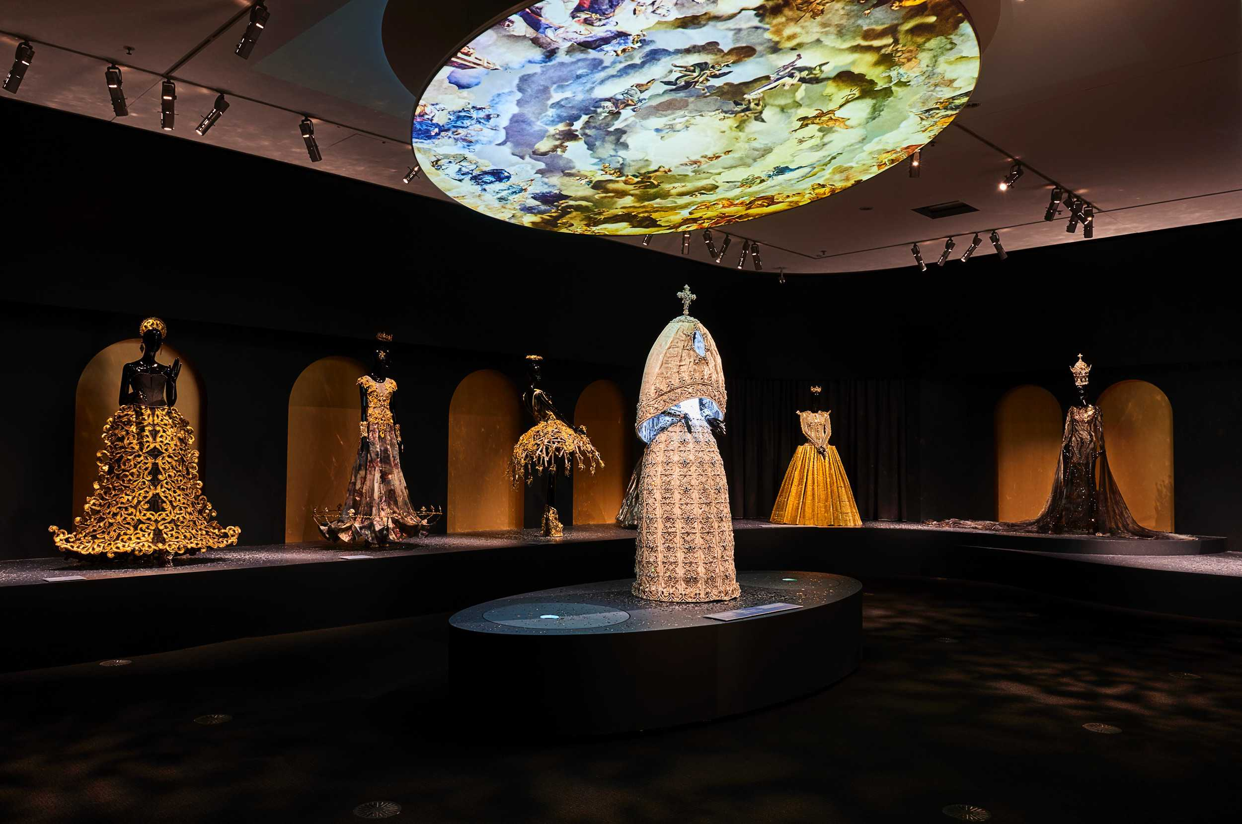 guo-pei-legend-exhibition-melbourne-01