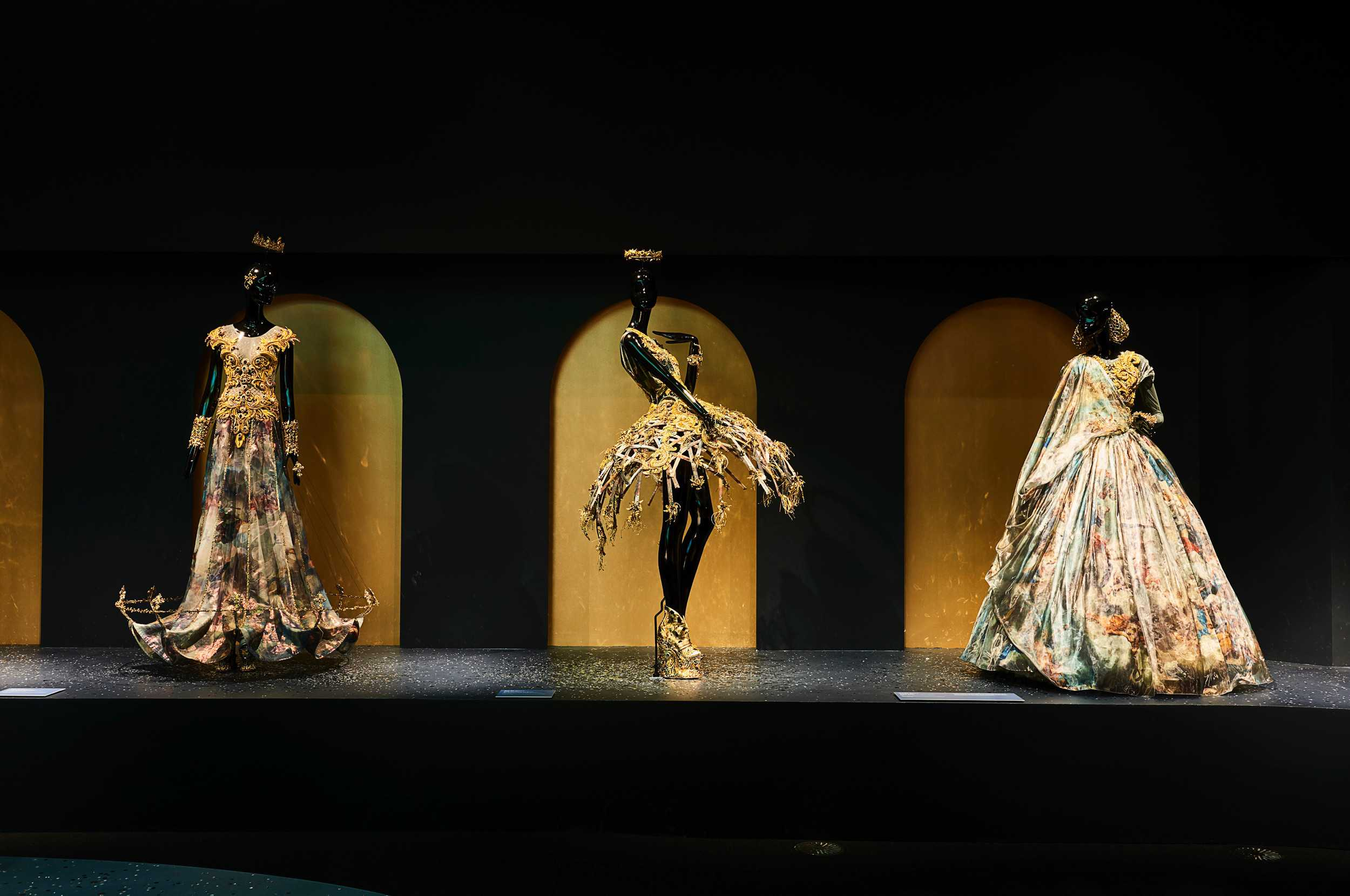 guo-pei-legend-exhibition-melbourne-06