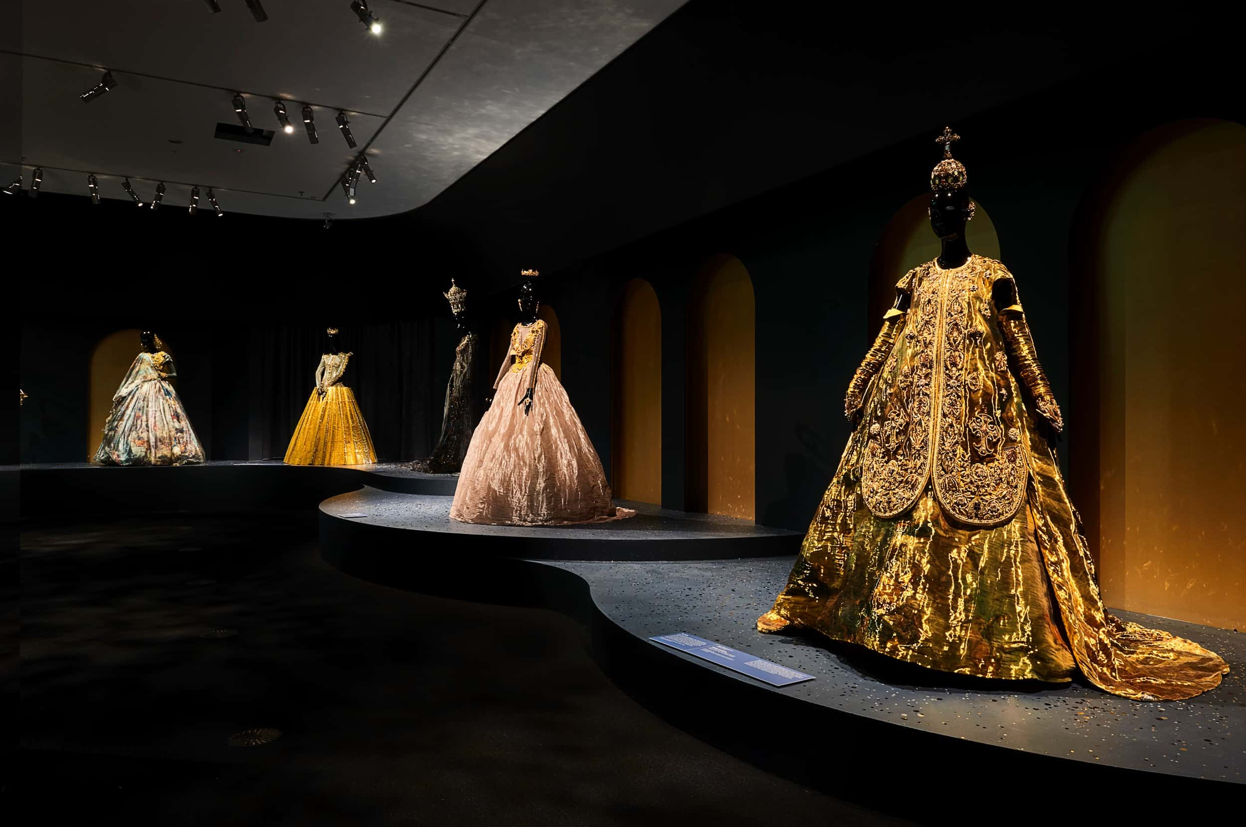 guo-pei-legend-exhibition-melbourne-09