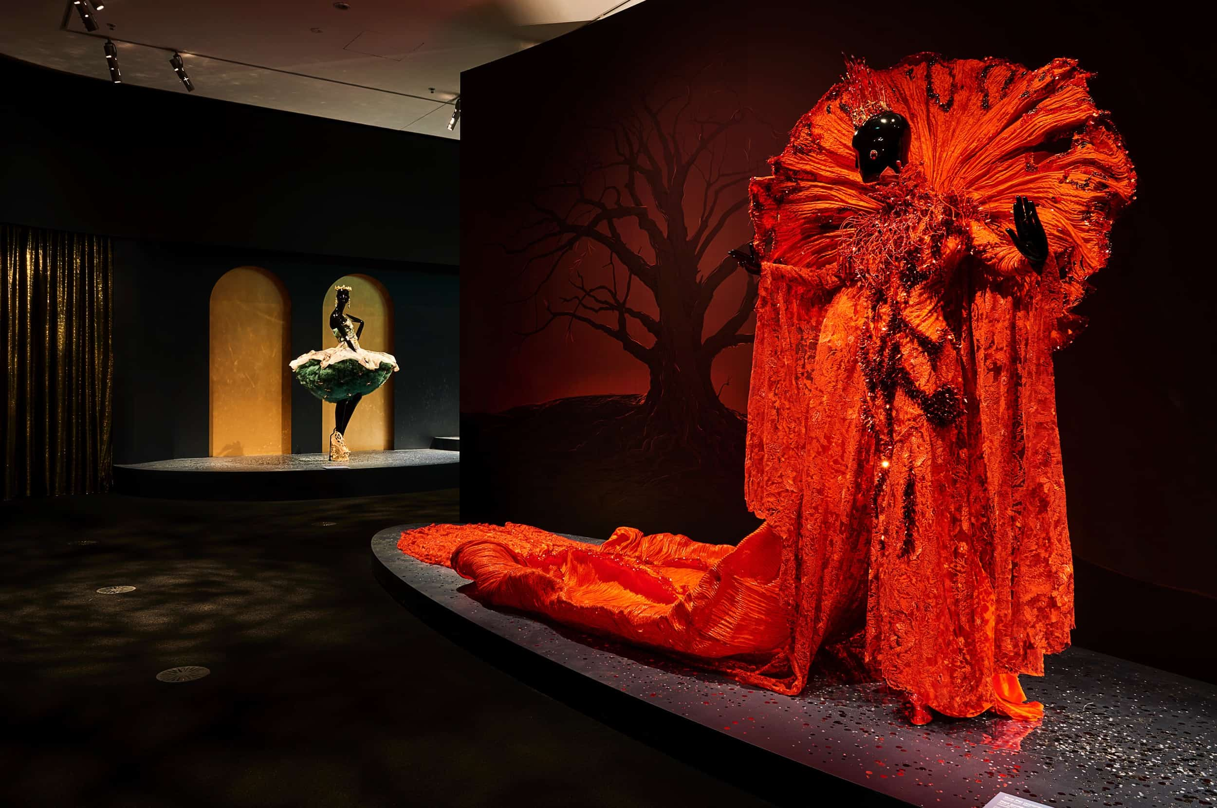 guo-pei-legend-exhibition-melbourne-11