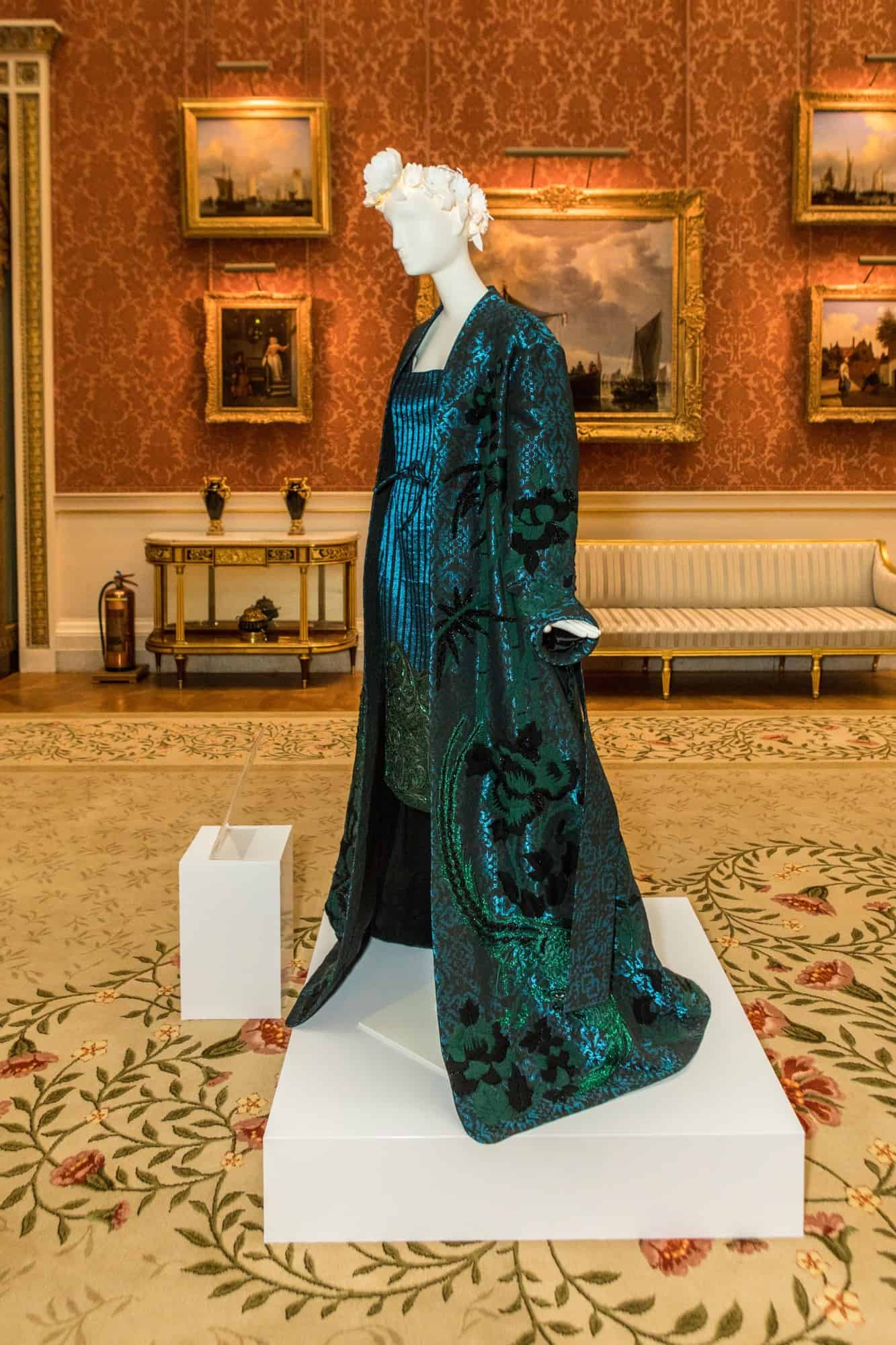commonwelath-fashion-exchange-looks-11