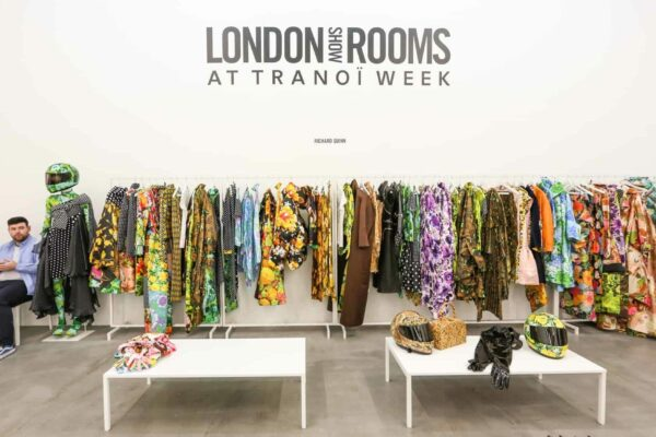 https://bonaveri.com/wp-content/uploads/2018/03/04202831/cropped-london-show-rooms-paris-tribe-mannequins-05.jpg