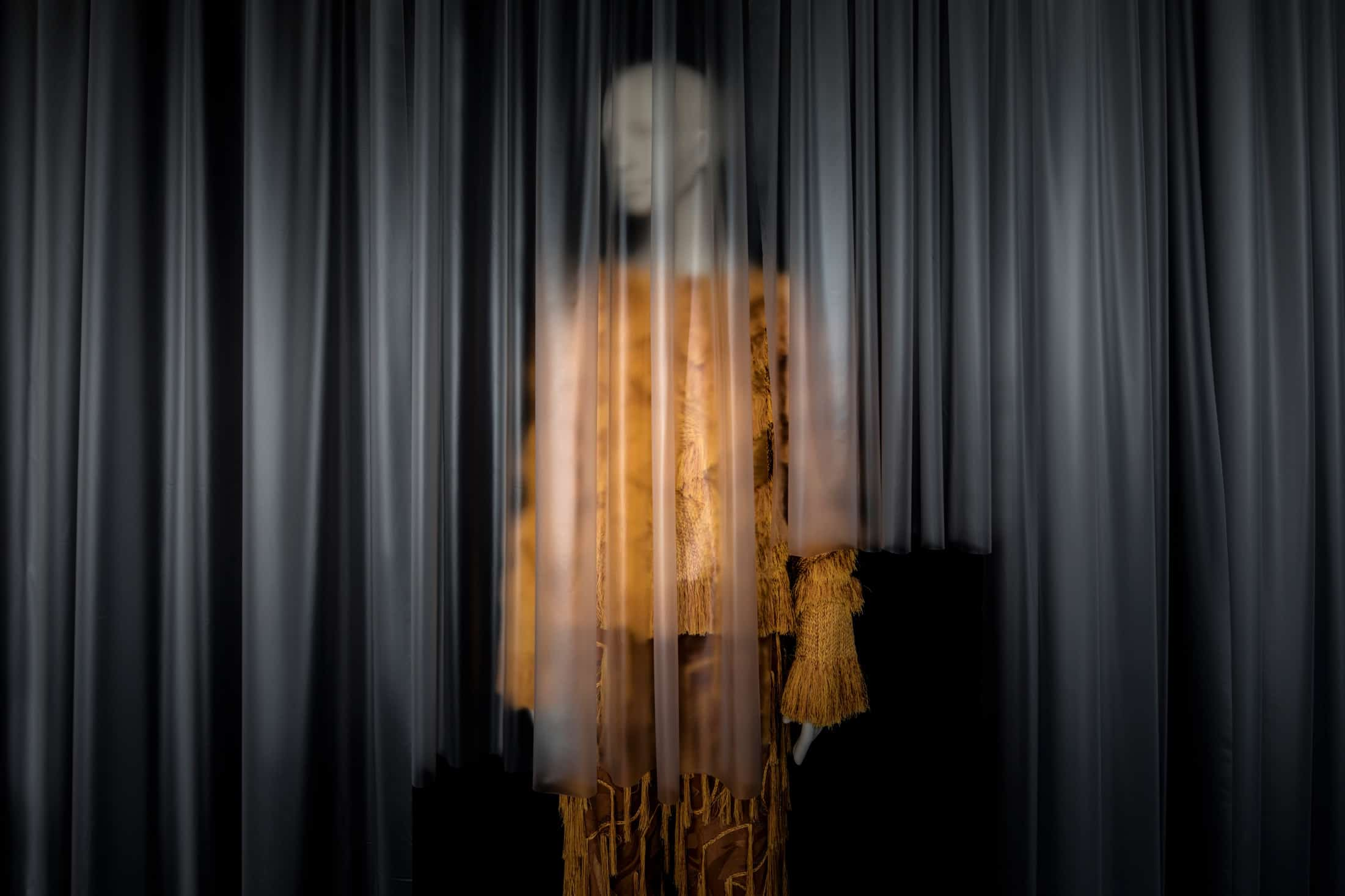 tribe-female-mannequin-shanghai-fashion-week-01
