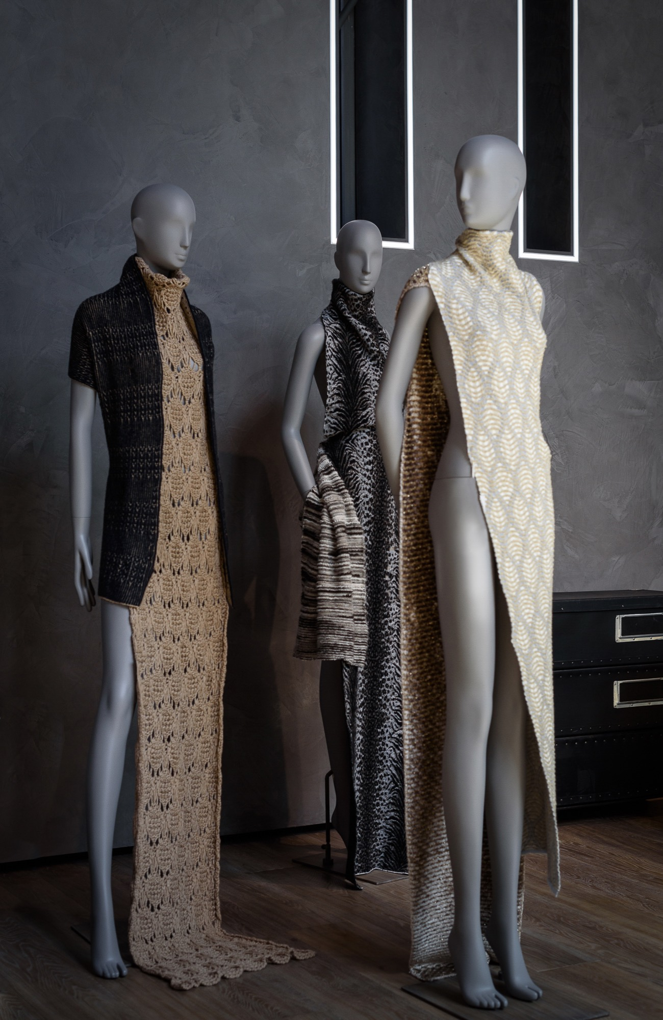 Schläppi 2000 female mannequin In Linea Piu yarns for exhibition at BonaveriMilano